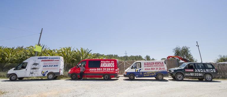 Flota de vehiculos de Alquiler de andamios en Ibiza